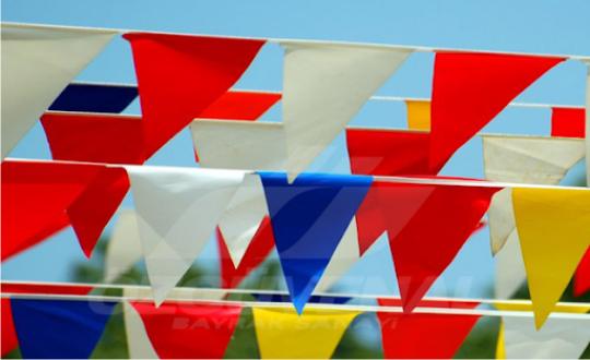 İpe Dizili Üçgen Bayrak